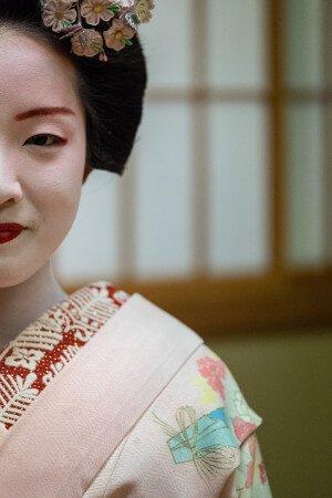 Japanese Geisha vs Geisha Coffee